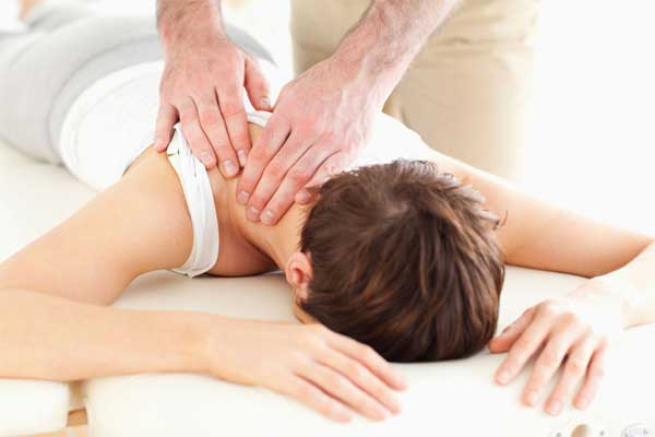 chiropractic care and rounded shoulders