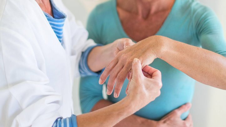 Treat Rheumatoid Arthritis With Chiropractic Care