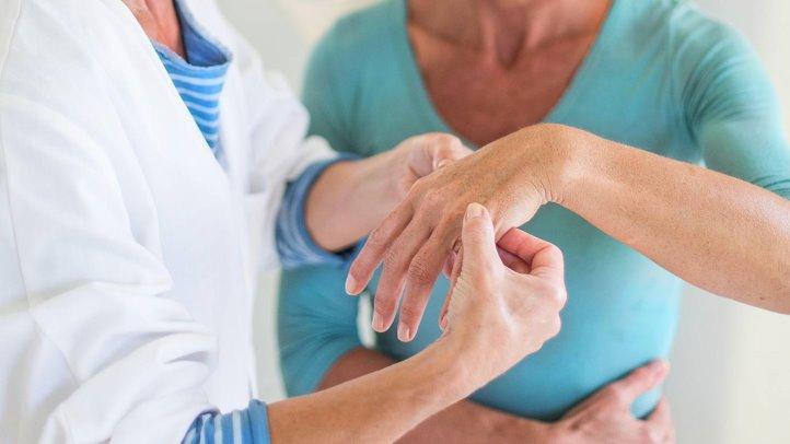 Treat Rheumatoid Arthritis With Chiropractic Care